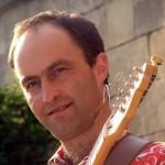Wolfi Hammer, der Chef der Band, beim Gitarrensolo.