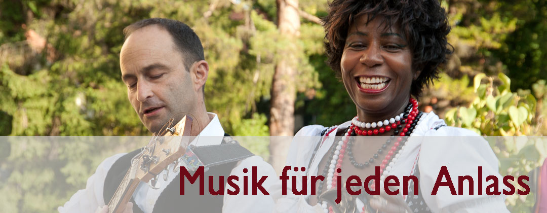 Jenny Bell und Wolfgang Hammer in Tracht